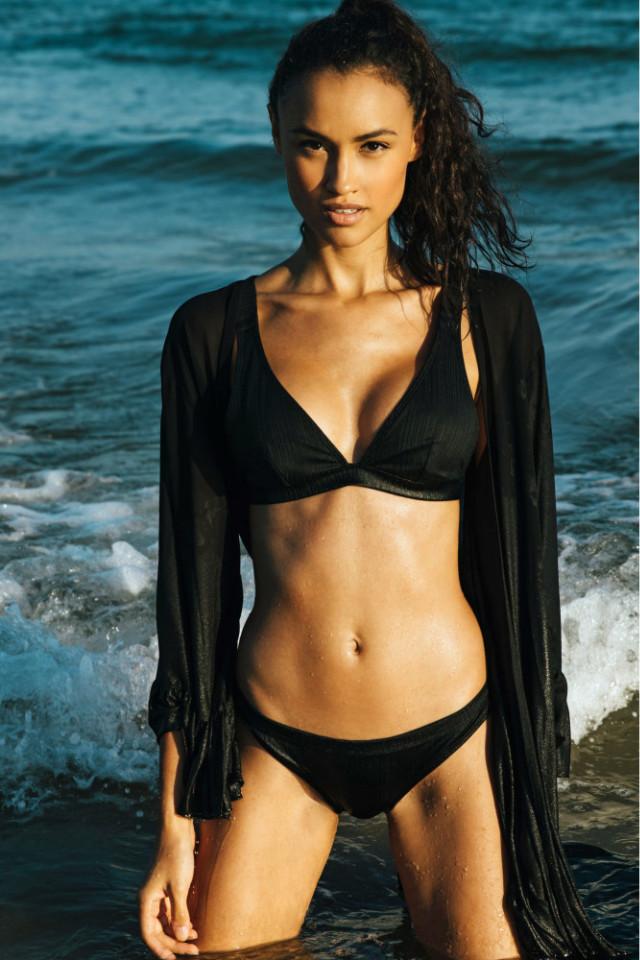 English fashion model v in Bali