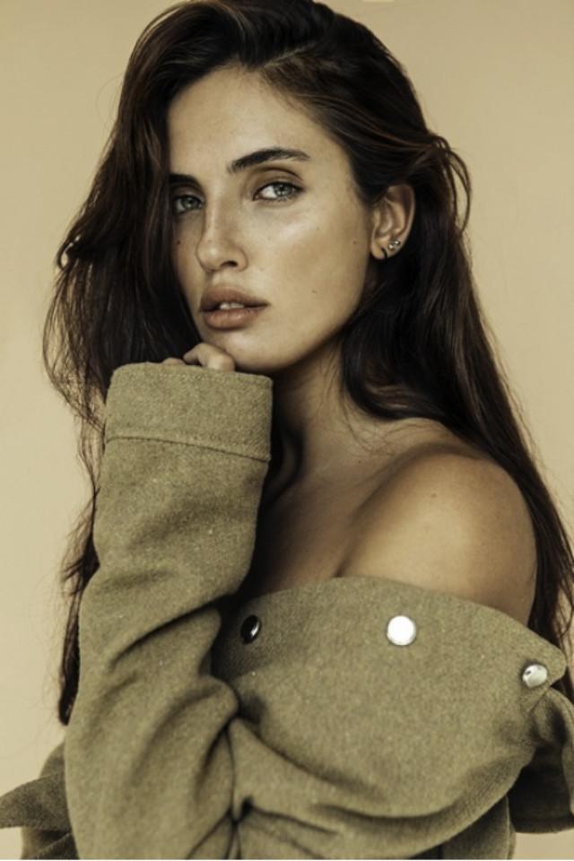 New York model Laura is wearing clothes from Copenhagen brand Samsoe Samsoe official.  Photographed by LA photographer Steve Gripp