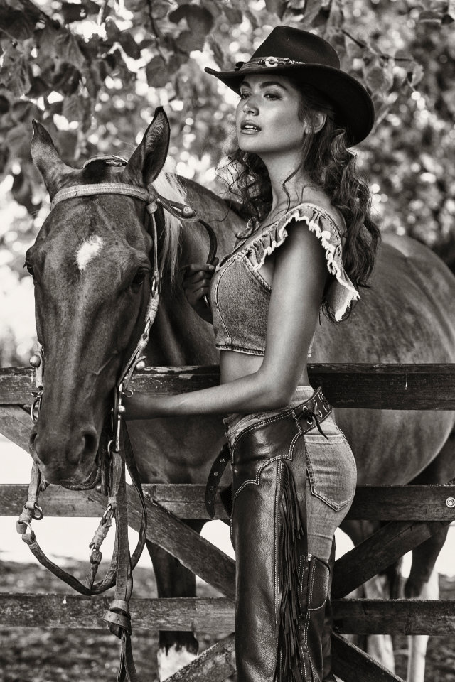 Nature photography, Nena France on cowboy girl style photography