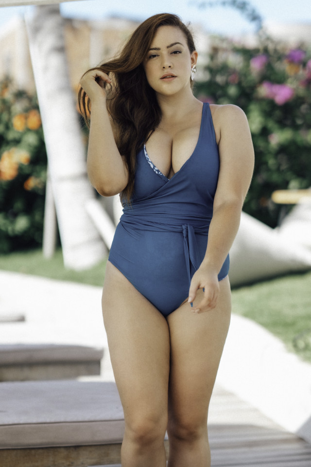 Australian curve supermodel winner Carla Conlin is wearing sustainable fashion swimwear by Baiia Label.