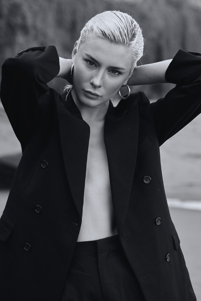 Sunrise black and white portrait Zlata looks incredible, shot booked by Castaway Model Agency