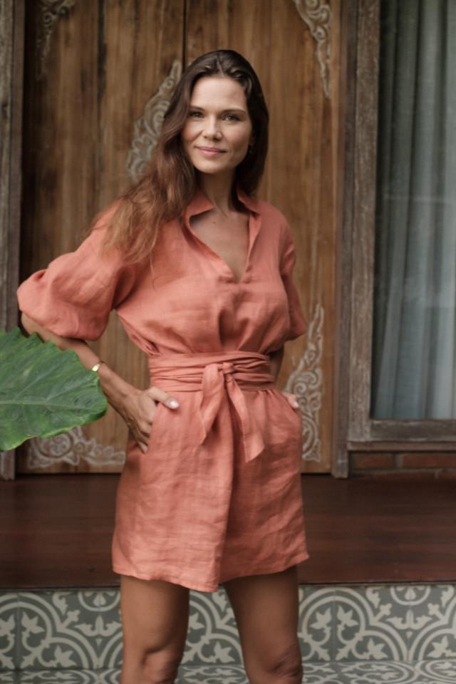 Bali fashion model Zanetita Poz is wearing a linen dress by Australian fashion brand Lilya. Zanetita Poz is represented by Castaway Model Management.