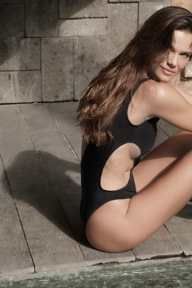 Lithuanian model Zanetita Poz is wearing a swimsuit from responsible brand All Sisters. This European swimwear brand is available at netaporter
