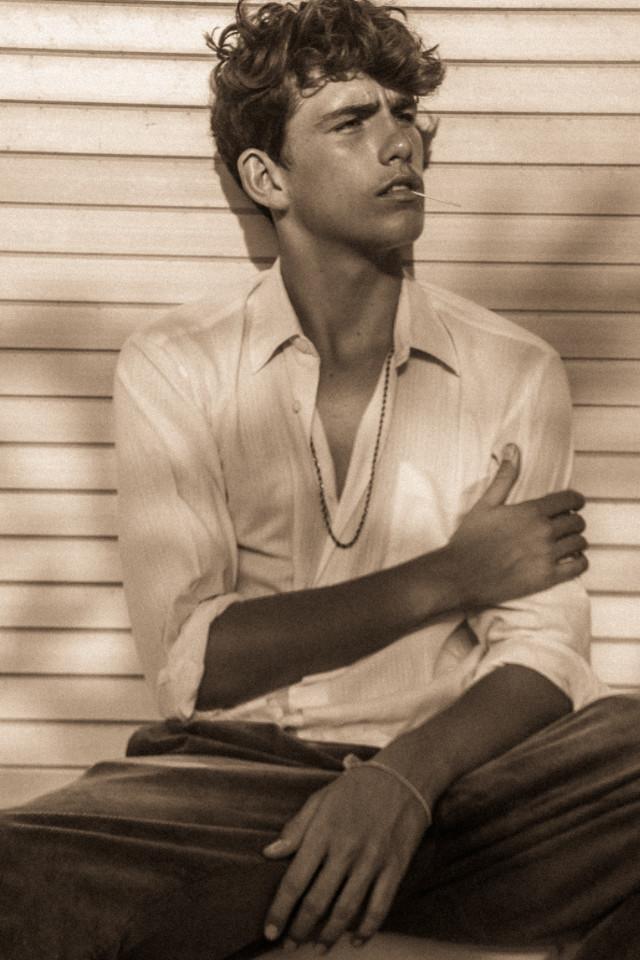 Noah Eldridge start modelling in Bali
