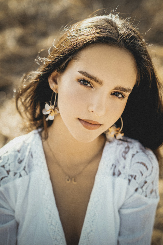 Natural beauty of young model Yasmine Anais