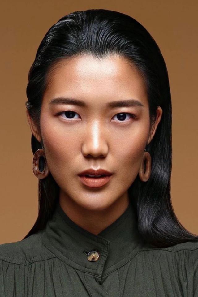 Oriental model Katharina Reena on portrait shot