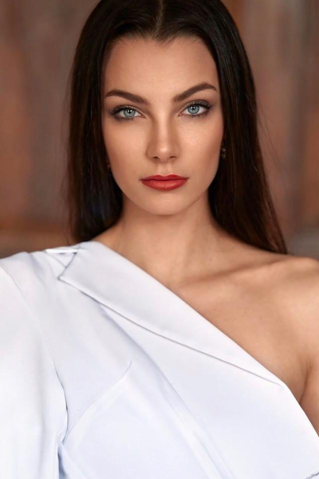 Top Fashion model Jagoda Wolska is represented Bali Modelling Agency Castaway Model Management